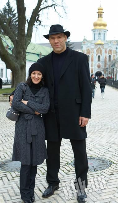 غولی که با زنی ریزه و قد کوتاه ازدواج کرده!!! +عکس