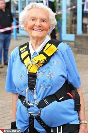 عکس هایی از رکورد شکنی پیرزن 100 ساله و شجاع