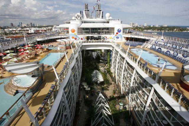 عکس هایی از بزرگترین کشتی دنیا
