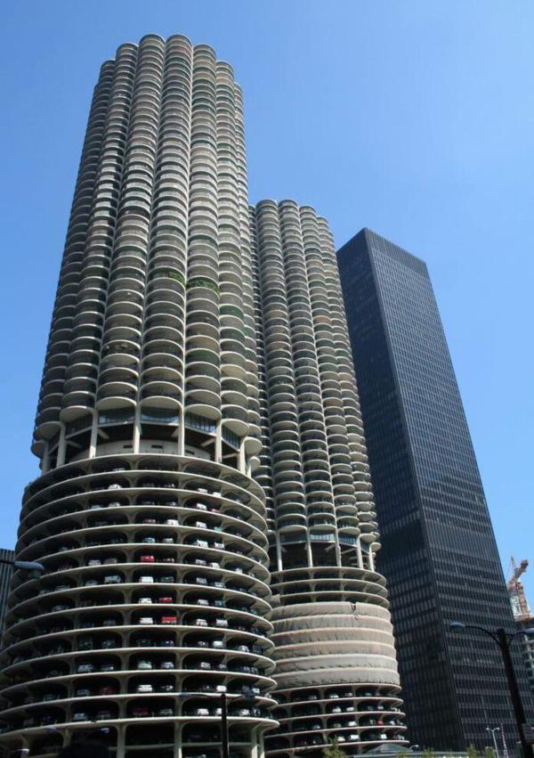 مدرنترین و بزرگترین پاركینگ طبقه ای جهان
