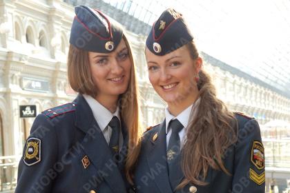 زن پلیس روسیه عامل آرامش و زیبایی!! (تصویری)
