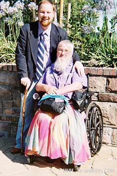 عکس های باور نکردنی از زنانی با سیبیل و ریش بلند