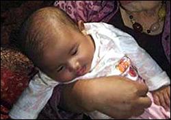 زنده ماندن عجیب نوزاد پس از 3 روز دفن شدن+عکس
