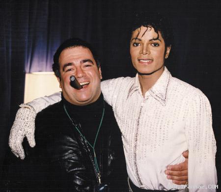 مرگ مردی که از مایکل جکسون ستاره ساخت+عکس