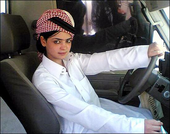 ترویج فحشا زیر پوست وهابیت سعودی +عکس