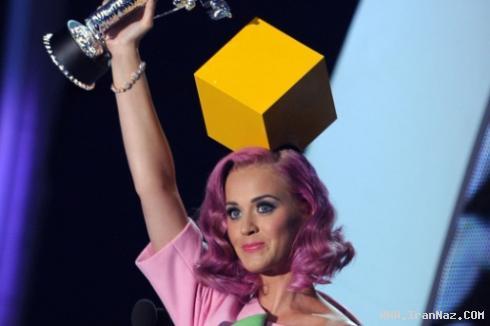 انتخاب بهترین زن در جشنواره 2011 ام تی وی +عکس
