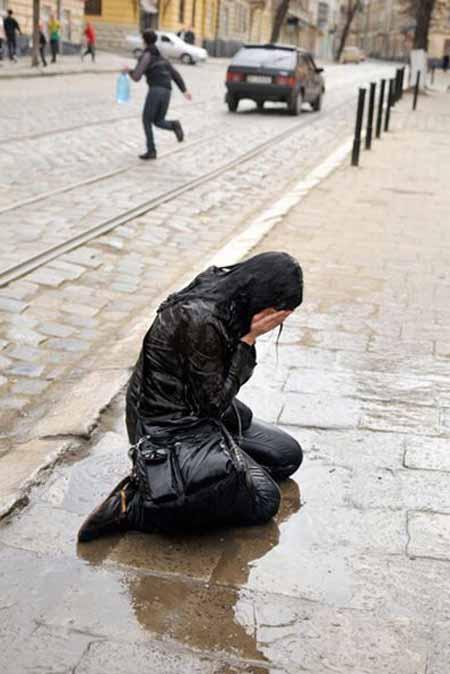 عکس هایی دیدنی از جشن ویژه آزار و اذیت دخترها!!