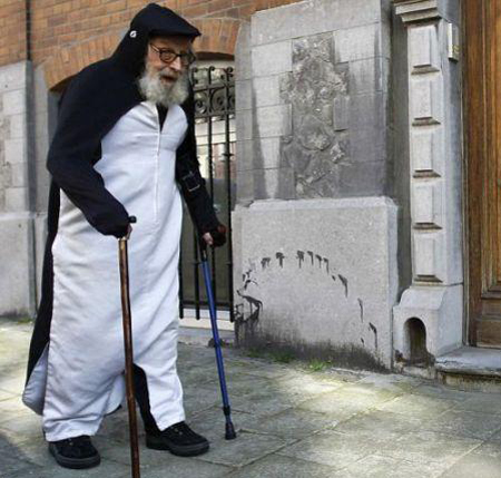 مردی که 40 سال است مثل پنگوئن زندگی می کند!
