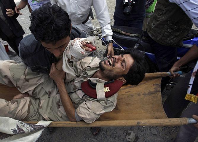 عکس های سلاخی انقلابیون به دست آل سعود 16+