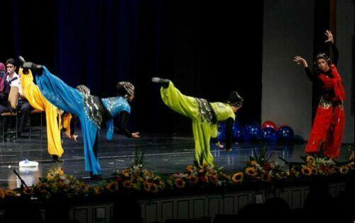 عکس های حرکات موزون و رقص دختران در تالار وحدت