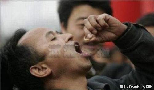 عکس هایی از مسابقه کرم خوری در چین!!