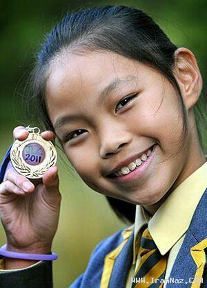 دختری 10 ساله و مسلط به 10 زبان زنده دنیا +عکس