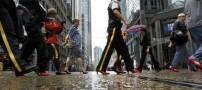 مردان با کفش های پاشنه بلند قرمز در آمریکا +عکس