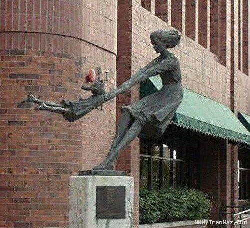 عکسهای دیدنی از خنده دار ترین مجسمه های جهان