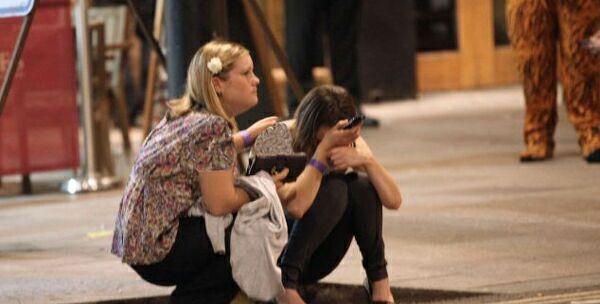 عکس های فاجعه اخلاقی پسران و دختران در انگلیس