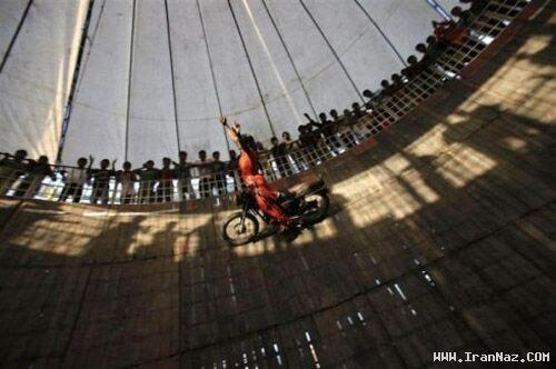 عکسهای باور نکردنی از زنان راننده دیوار مرگ در هند
