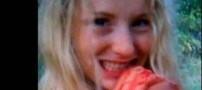 عکس یادگاری زن برهنه هلندی با اسب مرده! +عکس