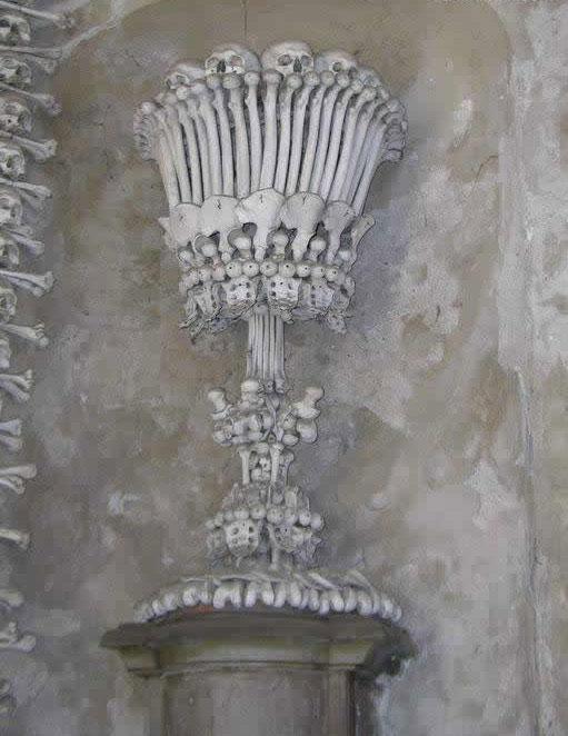 کلیسایی ساخته شده از استخوان مسلمانان