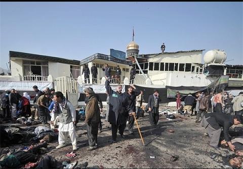 عکس هایی از حمله تروریست ها به عزاداران ( 16+)