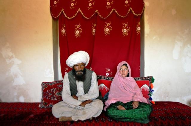 عکس هایی از زندگی غم بار عروسان خردسال افعان