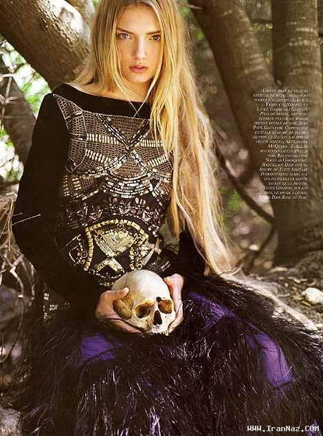 عکس های دختر بسیار زیبایی كه شیطان پرست شد!