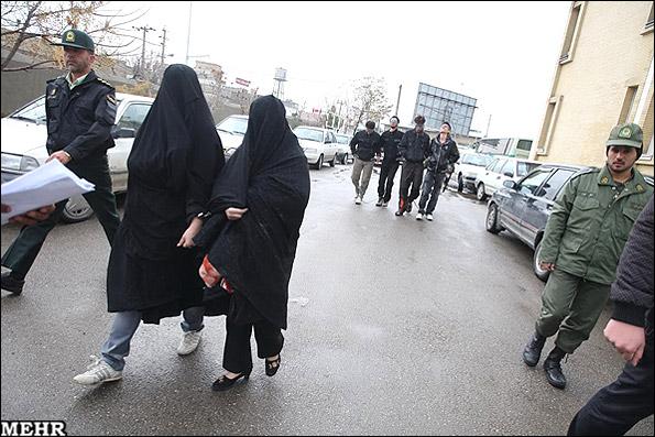 عکس هایی از  دستگیری اراذل و اوباش دختران و زنان
