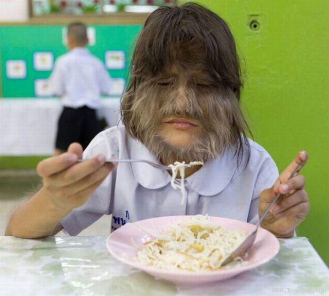 عکس های جالب و باور نکردنی از پر موترین دختر جهان