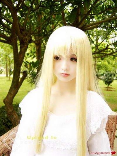 عکس های باورنکردنی دختری همانند عروسک!!