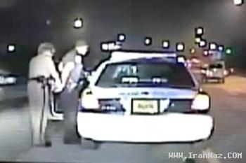 بازداشت جالب پلیس مرد توسط یک پلیس زن +عکس
