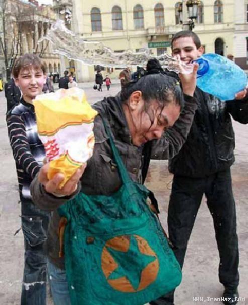 عکس های مراسم عجیب اذیت و آزار دختران اوکراین
