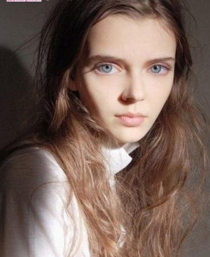 دختری با چشمانی ترسناک و اغواگر +عکس