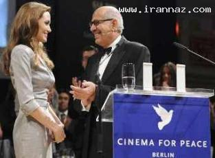 جنجالی شدن بوسیدن بازیگر معروف هالیوود! +عکس