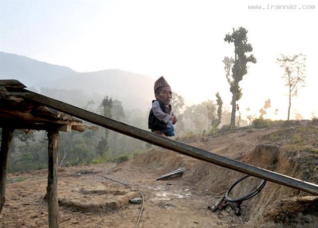 عکس هایی بامزه و دیدنی از کوتاه قد ترین مرد جهان