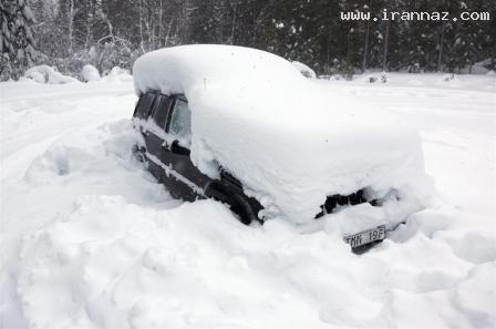 زندانی شدن 2 ماهه مردی زیر برف و درون یک ماشین