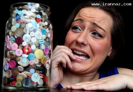 ترس بسیار عجیب و خنده دار این زن از دکمه! +عکس ، www.irannaz.com