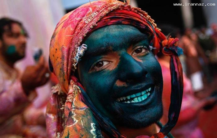 عکس هایی از رنگ پاشی دختر و پسرها در روز هولی