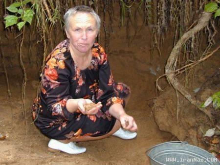 زنی عجیب که بجای غذا ماسه و شن میخورد! +عکس