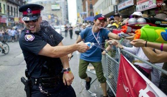 عکسهای خنده دار و بسیار جالب از سوژه های پلیس