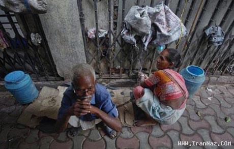 عکس های خانمی که شوهر خود را با زنجیر می بندد!