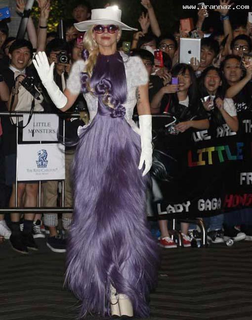 متحیر شدن هنگ کنگی ها از لباس عجیب لیدی گاگا!