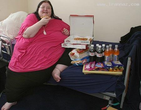 زن عجیبی که 3 برابر یک زن نرمال غذا میخورد +عکس