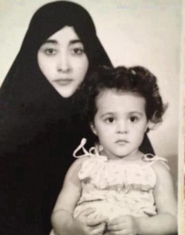 عکسی جالب از حمیرا و دخترش هنگام خروج از ایران!