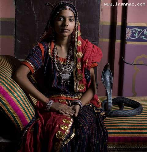 ازدواج باورنکردنی یک دختر هندی با مار کبری +تصاویر