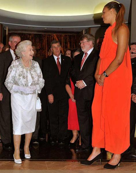 عکس های بسیار دیدنی از بلند قدترین دختران جهان