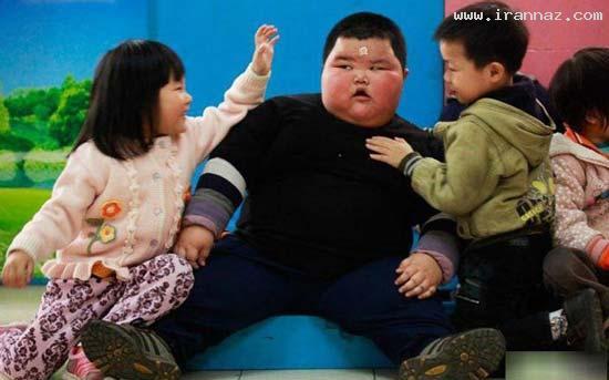 عکس هایی بامزه از چاق ترین کودک 4 ساله ی جهان