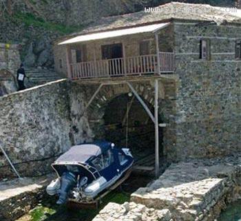 جزیره عجیبی که ورود زنان به آن ممنوع است! +تصاویر