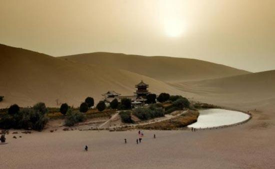 عکس های شگفت انگیز بهشت واقعی در وسط بیابان ، www.irannaz.com