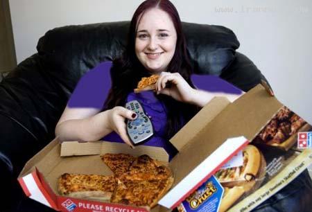 دختری که هشت سال است فقط پیتزا میخورد+تصاویر
