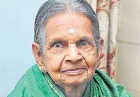 خانمی که ۷۸ سال بدون خوردن یک قطره آب زنده مانده!