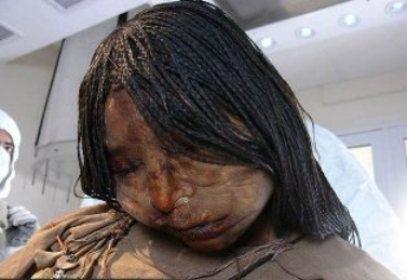 کشف جسد سالم دختری بعد از 500 سال ! + تصویر